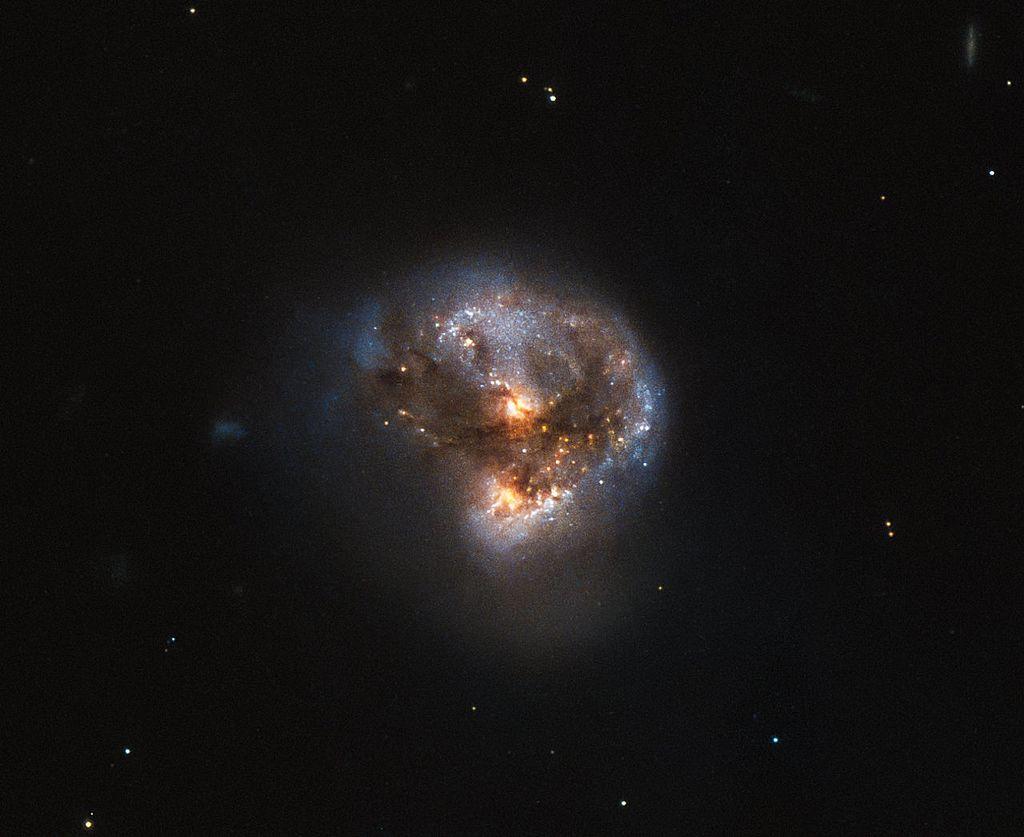 Estudiantes UDP comprendiendo la Astronomía