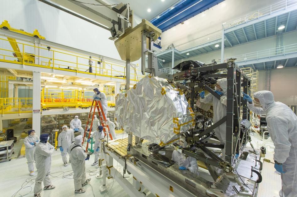 Montado el espectrógrafo infrarrojo en el Telescopio Espacial James Webb