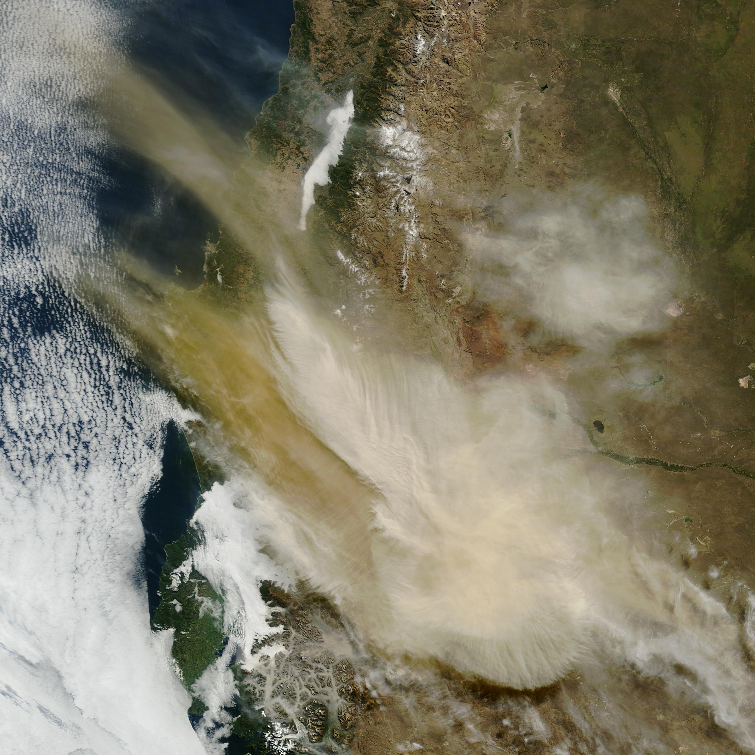 Satélites de la NASA muestran los avances del volcán Calbuco