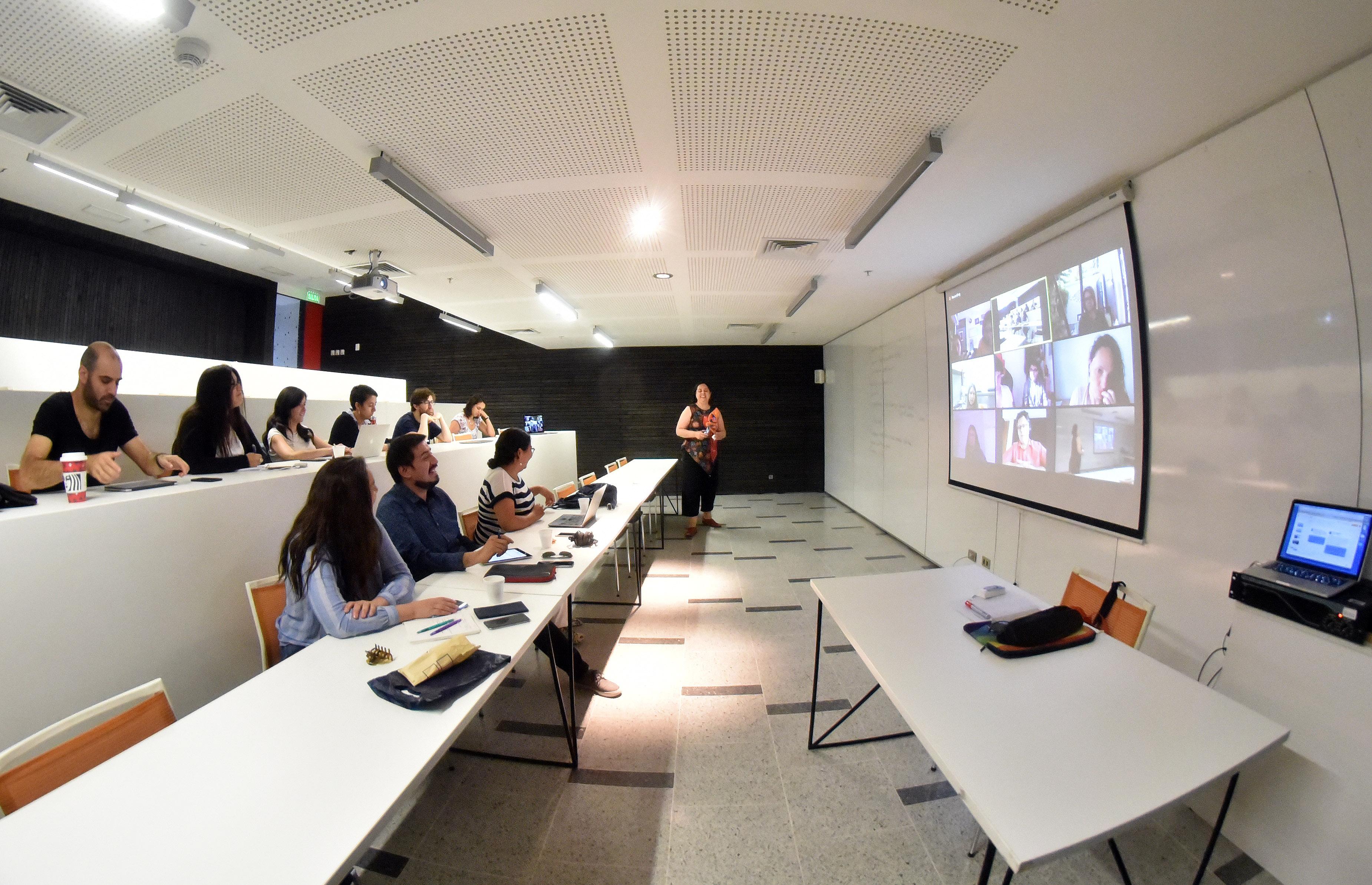 Primera reunión del Grupo de Astronomía Inclusiva se realizó en la UDP